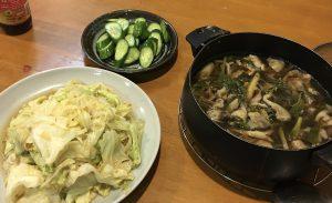 キャベツのごま油炒め、茸のスープ