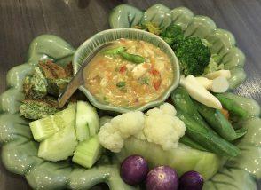 蟹の身と卵入りディップ&茹で野菜