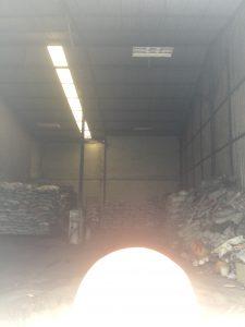 弊社の炭の倉庫。